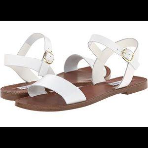 Steve Madden Donddi white leather sandals 🎀